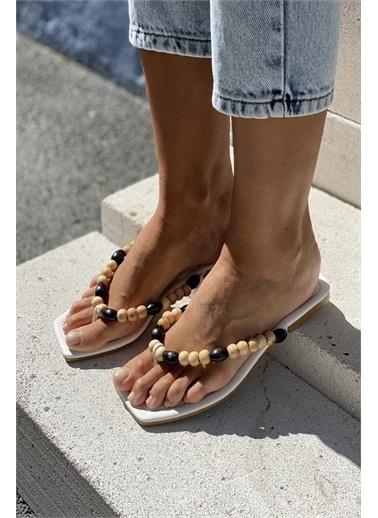 İnan Ayakkabı BONCUK AKSESUARLI TERLİK Beyaz